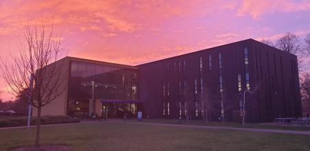 Wow, look at that sky! Photo taken of our campus yesterday afternoon/evening. 😍 Photo credit: @jamiehomewood https://t.co/iJpoeIF1D4